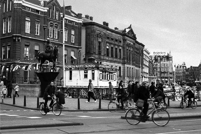 Rokin Langebrugsteeg, Amsterdam, Netherlands, April 1999