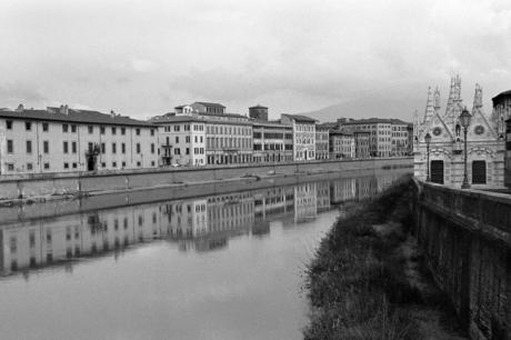 Santa Maria della Spina, Pisa, Italy, February 2007