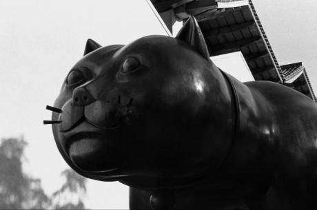 El gato de Botero, Barcelona, Spain, August 2002