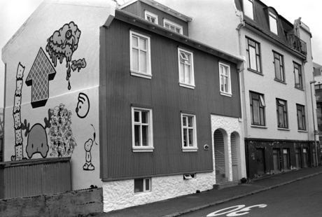 Graffiti & Houses, Reykjavik, Iceland, April 2006