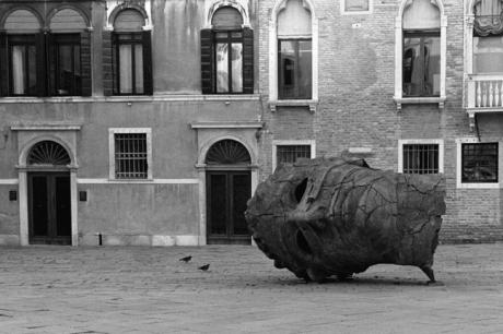 Igor Mitoraj, Campo San Vidal, Venice, Italy, November 2005