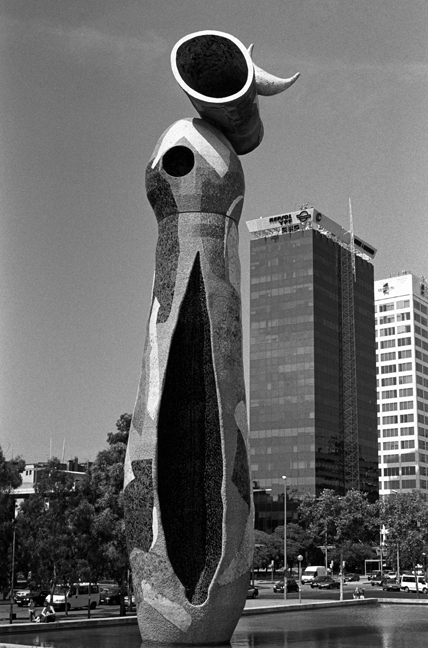 Dona i Ocell, Parc Joan Miró, Barcelona, Spain, August 2002