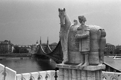 Szent István királystatue, Budapest, Hungary, June 2001