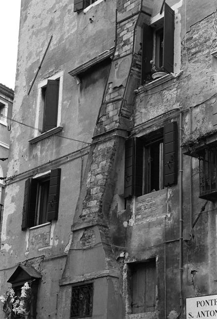 Ponte Sant Antonio, Venice, Italy, November 2005