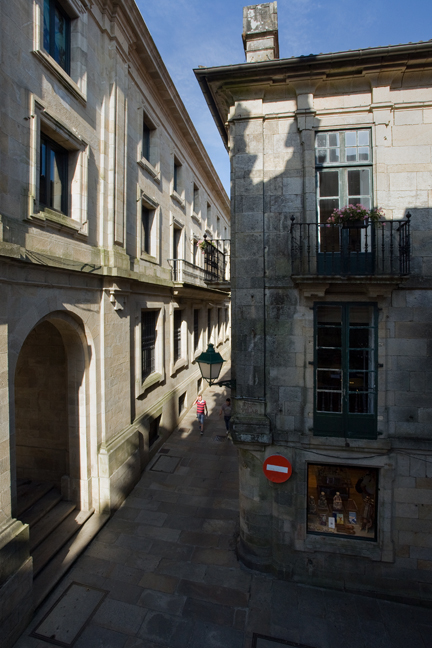 Rúa do Vilar, Santiago de Compostela, Spain, July 2013